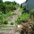 民家裏の廃線 (紀州鉄道)